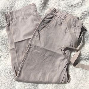 EUC Gap lightweight khaki pants